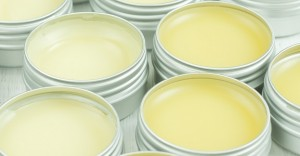 making-lip-balm